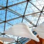 Giant glass sculpture at Pariser Platz 3 berlin